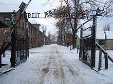 Auschwitz brama obozu fot. wikipedia.org